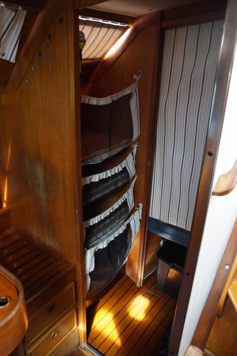 Rangement cabine tribord