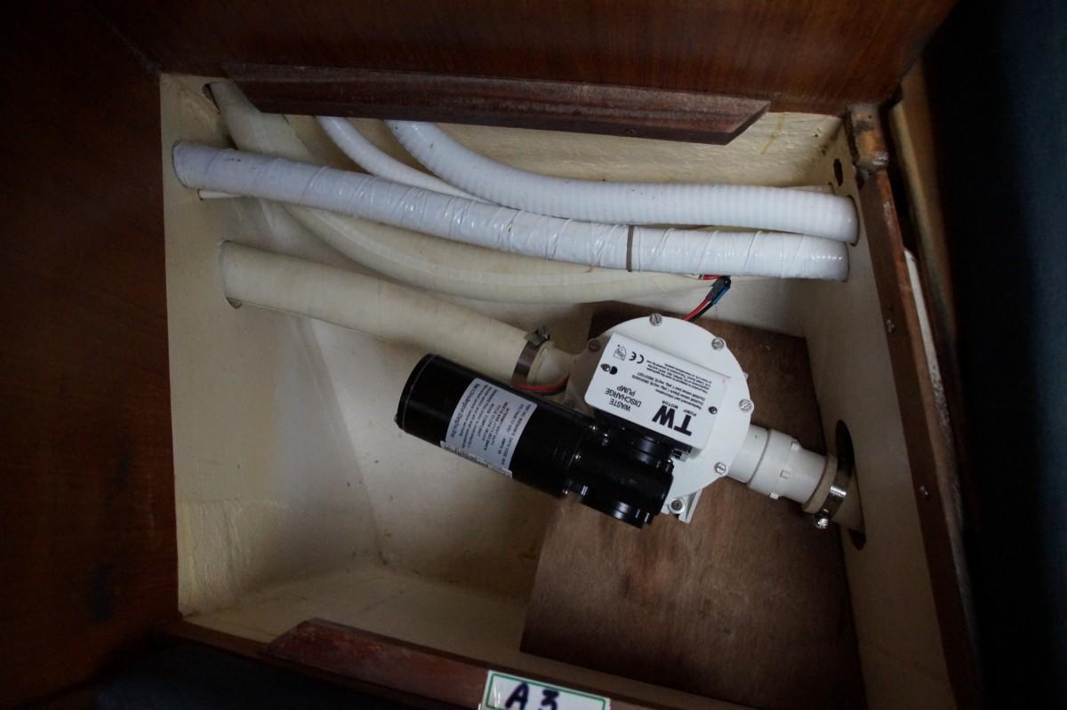 Pompe septique / Waste pump